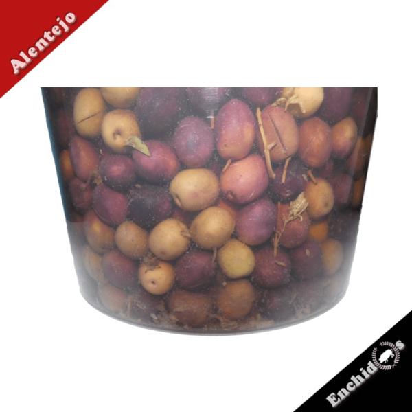 Azeitonas Balde de 5kg com oregãos retalhadas